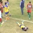 YOUTUBE Calciatore muore in campo dopo ginocchiata e pugno 1