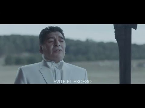 Maradona Dio tra giocatori Juve, tifosi del Napoli2