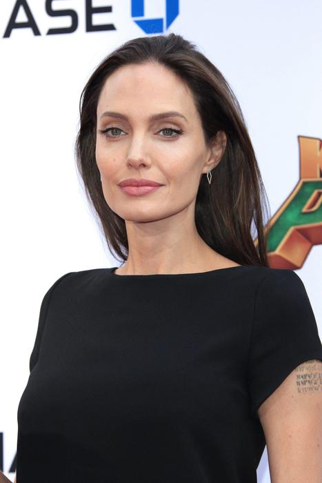 Marion-Cotillard-Angelina-Jolie (19)