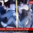 Molesta ragazza su bus, gruppo di donne lo picchia3