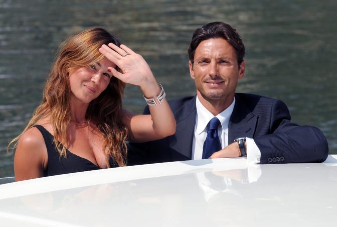 Pier Silvio Berlusconi al Lido di Venezia con Silvia Toffanin (foto Ansa)