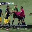 Espulso, ammolla calcio avversario davanti arbitro