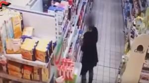 YOUTUBE Rapinavano supermercati a Messina, ecco come