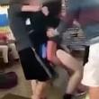 Rissa tra studenti, uno immobilizza l'altro col judo1