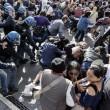 Roma: polizia carica con idranti manifestanti per casa6