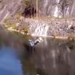 Salta con bungee jumping e sbatte sulla roccia 5