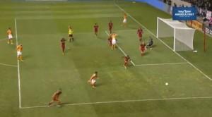 YouTube, portiere Nick Rimando salva il gol... di faccia