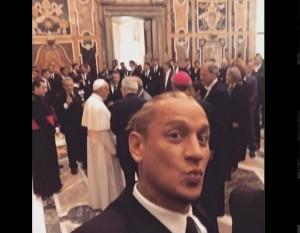 Milan da Papa Francesco, figuraccia di... FOTO