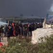 Francia, a Calais rissa tra migranti: 20 feriti FOTO-VIDEO 4