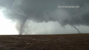Tornado enorme ripreso da vicinissimo in Kansas5