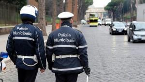 "Salari, scontro vigili-Comune di Roma: ""Lavateci le divise"""