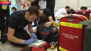 Guarda la versione ingrandita di YOUTUBE-FOTO Fulmine colpisce parco Parigi, feriti 8 bambini