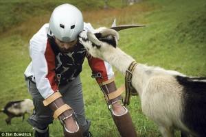 Vive un anno con le capre sulle Alpi svizzere111
