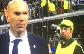 Champions League, dietro Zidane spunta il sosia di Benitez