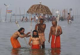 India, purificazione fai-da-te: acqua Gange a casa per posta