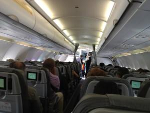 """Niente birra sull'aereo, così urla: """"C'è una bomba a bordo"""""""
