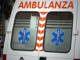 Guarda la versione ingrandita di Firenze, auto investe pedoni su marciapiede: 1 morto, feriti