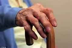 Guarda la versione ingrandita di Un malato di artrosi
