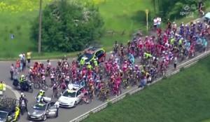 Giro del Belgio: due moto si scontrano: 11 feriti