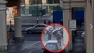 VIDEO YOUTUBE Borseggio per strada: svelato il trucchetto