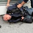 YOUTUBE Brennero, scontri anarchici-polizia: agente ferito 12
