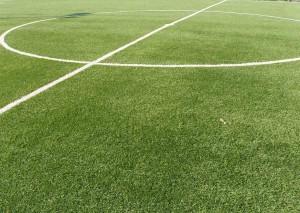Muore a 17 anni giocando a calcio a scuola: prof condannato
