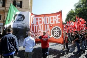 Casapound, corteo a Roma: anche antifascisti in piazza