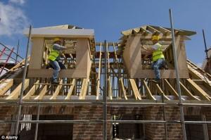 """Ue a Gran Bretagna: """"Dovete costruire più case per i migranti"""""""
