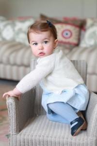 Guarda la versione ingrandita di Kate Middleton mamma fotografa: Charlotte ha 1 anno, FOTO