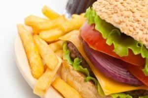Guarda la versione ingrandita di Hamburger, che c'è davvero dentro? Dna topi. E nei vegani...