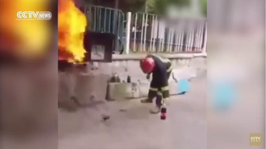 VIDEO YOUTUBE Coca cola può spegnere un incendio?