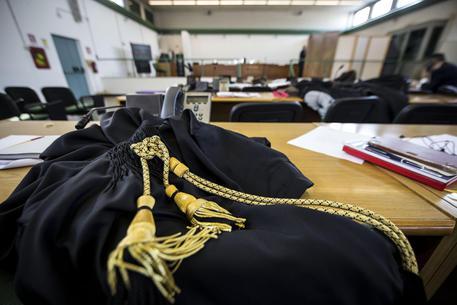 Torino, cacciò coppia gay da condominio: condannato a 1 anno