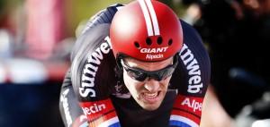 Giro D'Italia: Tom Dumoulin vince crono. Prima maglia rosa