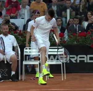 Guarda la versione ingrandita di VIDEO El Shaarawy palleggia con una pallina da tennis