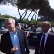 """Enrico Mentana """"chi ti paga?"""". Lui si arrabbia e... VIDEO"""