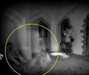 """Fantasma della regina Isabella di Francia"": misteriosa foto"