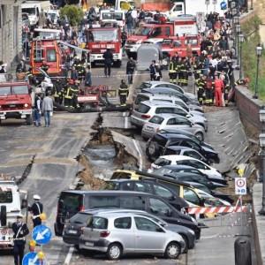 Firenze, da allagamento a crollo: voragine da 200 metri