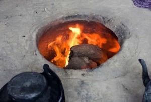 Afghanistan: a 15 anni bruciata viva nel forno dalla cognata