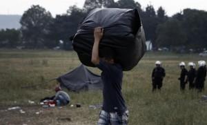 Idomeni, sgombero campo migranti: 8400 trasferiti a...