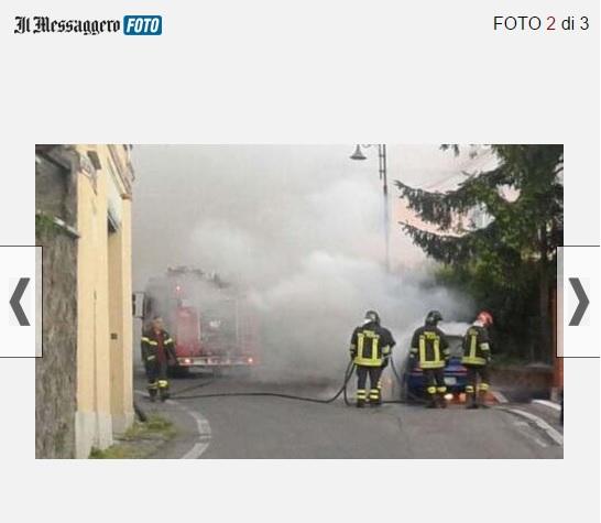 Rocca di Papa, auto va a fuoco: ragazzo scappa e si salva
