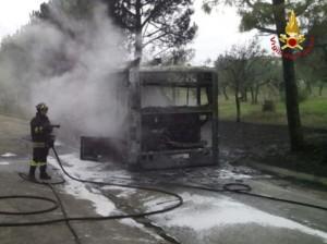 Montelanico: incendio bus Cotral pieno di studenti