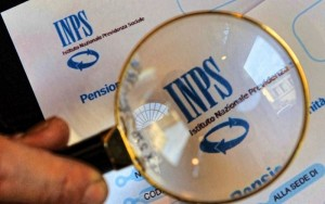 Pensioni, maxitruffa assegno sociale Inps: 517 denunciati