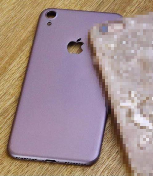 iPhone 7, le foto della presunta scocca: avrà 4 speaker?04