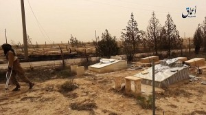 Isis devasta cimitero cristiano in Siria VIDEO-FOTO