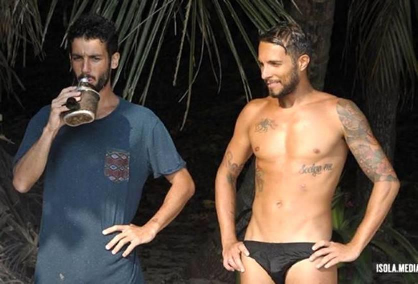 """Isola dei Famosi, Jonas Berami. Parla la ex: """"Lui gay...?"""""""