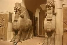 Le statue trafugate dall' Isis