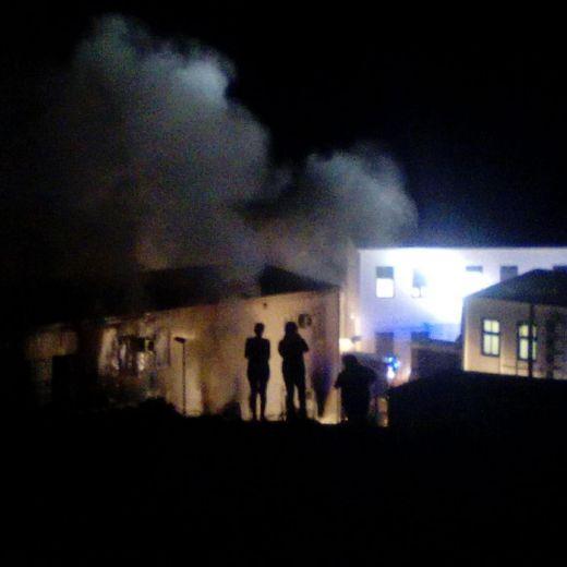 Lampedusa, incendio centro migranti. Sospetti su tunisini4
