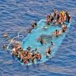 Migranti, nuova tragedia al largo Libia: si temono 80 morti01