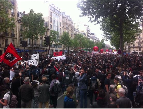 Parigi, scontri a manifestazione contro legge riforma lavoro 2