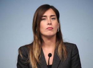 """Maria Elena Boschi esce da Twitter: """"Quel fotomontaggio..."""""""